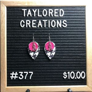 #377 Breast Cancer Awareness Houndstooth Earrings
